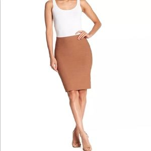 NWT Romeo & Juliet pencil skirt 🖤
